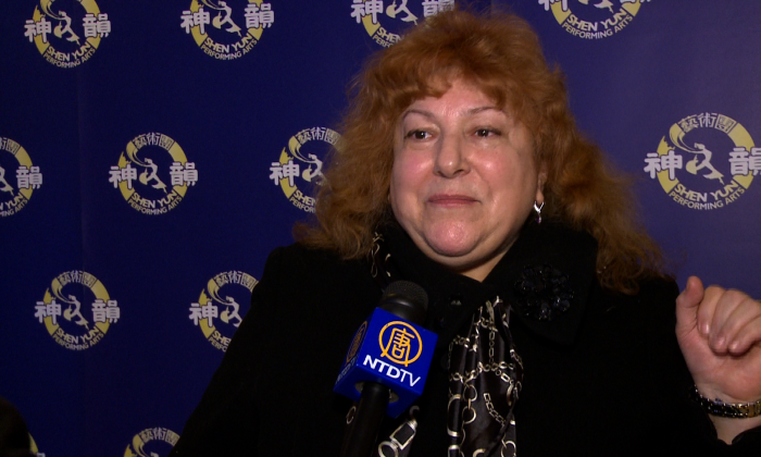 Internationally acclaimed Belarusian-Canadian soprano Galina Lukomsky saw Shen Yun at the Sony Centre in Toronto on Jan. 24, 2015, and expressed her appreciation for the renowned classical Chinese dance and music company. (NTD Television)
