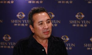Celebrity Photographer Says Shen Yun a 'Magical History Tour'