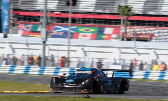 Jordan Taylor drives the #10 WTR Dallara-Corvette in the closing hour of the 2015 Tudor Rolex 24 at Daytona. (Chris Jasurek/Epoch Times)