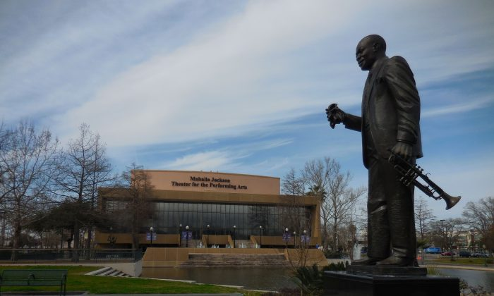 A statue of Louis Armstrong watches over Mahalia Jackson Theater of the Performing Arts (Mary Silver/Epoch Times)