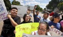 US Issues a Million Work Permits a Year, Illegal Immigrants Top Receivers