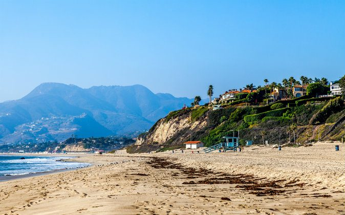 Beach in Malibu, California. (Shutterstock*)