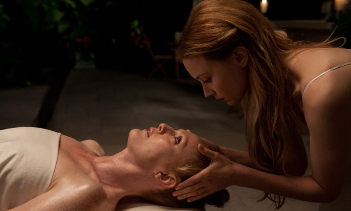 """Julianne Moore (L) and Sarah Gadon in """"Maps to the Stars."""" (Focus Features)"""