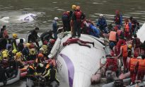 UPDATED: TransAsia Airways Plane Crash: Video Shows Airplane Accident Taipei, Taiwan (Photos)