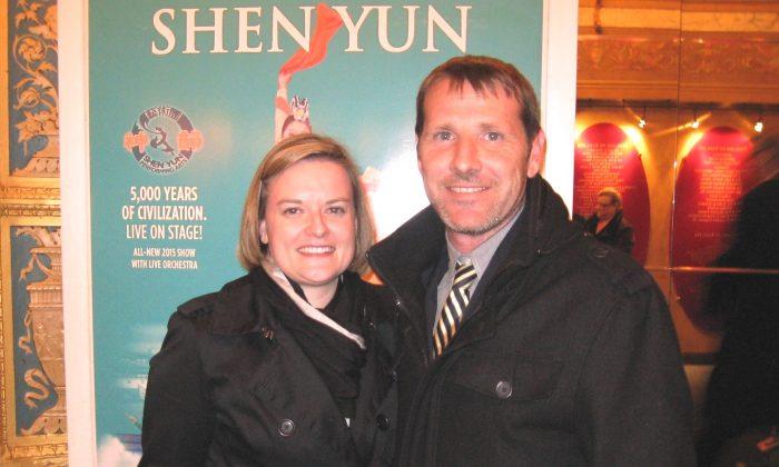Trisha Vanwormer and Joe Windhorst enjoy Shen Yun Performing Arts at the Detroit Opera House, on Feb. 5, 2015. (Charlie Lu/Epoch Times)