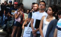 If Obama's Immigration Programs Get Axed, What About the 700,000 Expecting Protection?