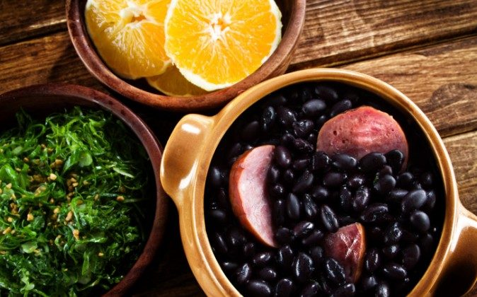 Feijoada, Brazilian traditional meal. (diogoppr/iStock/Thinkstock)
