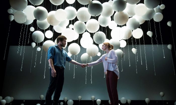 Theater Review: 'Constellations' Brings Out Stars Jake Gyllenhaal and Ruth Wilson