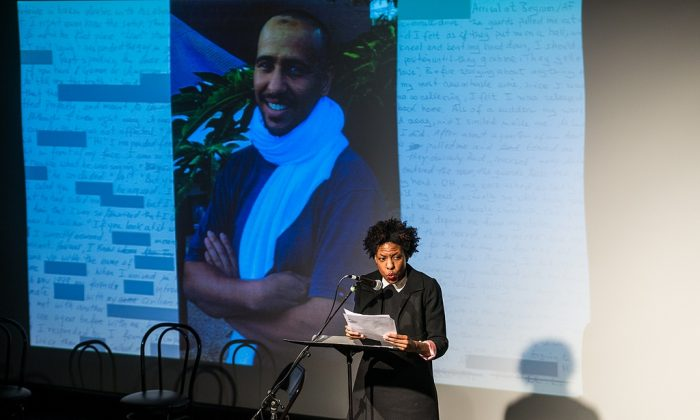 """Bestselling author Ayana Mathis reads from """"Guantanamo Diary"""" during New York City book event. (Nicola Bailey/PEN American Center)"""