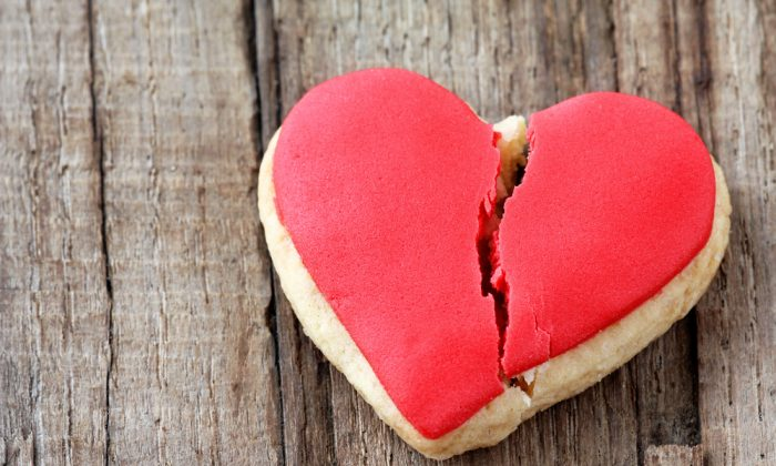 Can someone really die of broken heart syndrome? (Shutterstock*)
