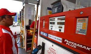 Falling Oil Prices Reverberate Through Indonesia and Malaysia