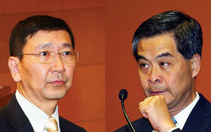 (L) Johannes Chan Man-mun, former dean of the University of Hong Kong (HKU) Faculty of Law, and (R) Leung Chun-ying, Hong Kong's Chief Executive. (Epoch Times)