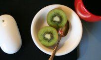 14 Healthy Reasons to Eat Kiwi