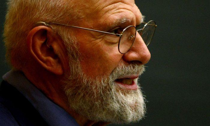 Neurologist Dr. Oliver Sacks speaks at Columbia University in New York City, June 3, 2009. (Chris McGrath/Getty Images)