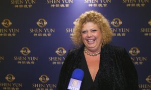 Shen Yun 'Created a wave in my body that made my heart open'