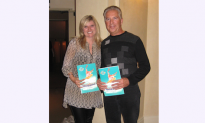 Shen Yun 'Stories Uplifting,' Says New York Times Bestselling Author