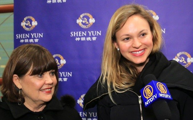 Teresa Riva, Brand Manager, Proctor & Gamble (L) and Charlene Riva enjoy Shen Yun Performing Arts at Cincinnati's Aronoff Center for the Arts. (Courtesy of NTD Television)