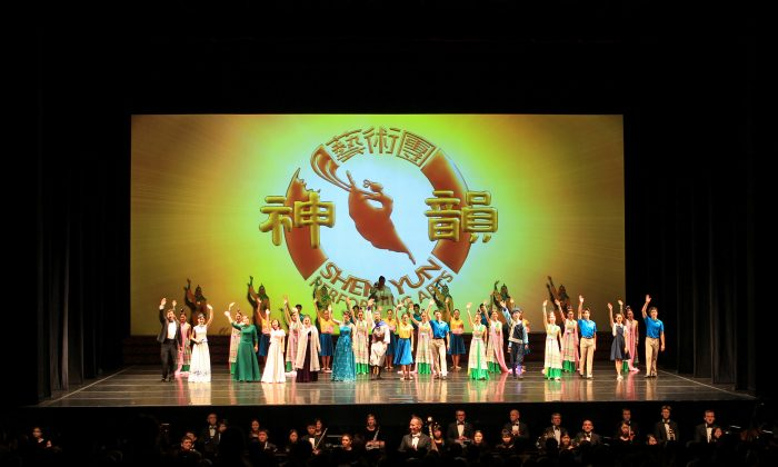 Shen Yun, Highly Recommended Says Philanthropist
