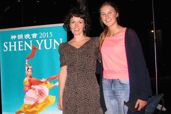 Performing Arts Teacher Says Shen Yun 'Artists Are so Disciplined'