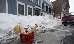 Bostonians Deal With Snow Like a Boss