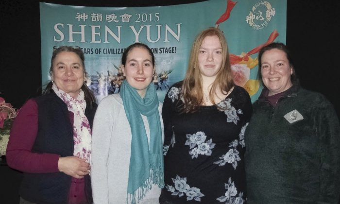 On Feb. 28, mothers and daughters, (L to R) Emanuela and Sophia Fremont and Carrie and Jody Blair attend Shen Yun at the Aronoff Center for the Arts. (Charlie Lu/Epoch Times)