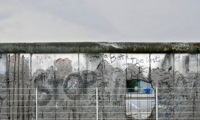 """""""Detail 3A, The Wall, Niederkirchner Strasse, Berlin 2010"""" by Canadian photographer Leslie Hossack. (Courtesy of Diefenbunker)"""