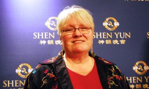 Pastor Says Shen Yun Opens Her Heart