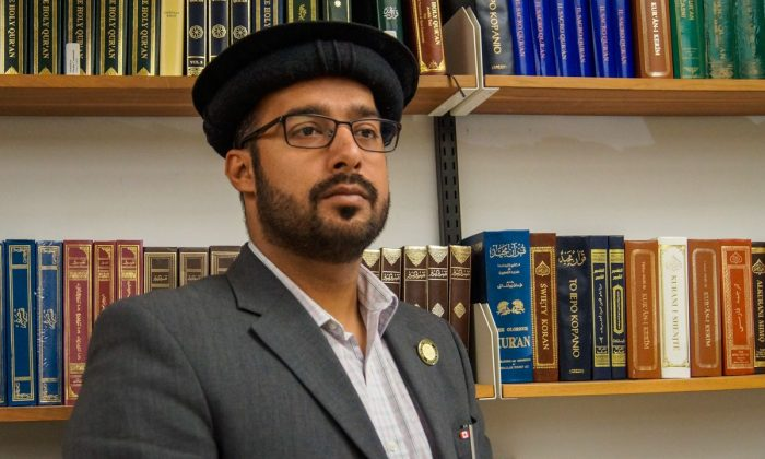 Imam Imtiaz Ahmed of Ottawa's Ahmadiyya Muslim community says a nationwide outreach campaign that aims to dispel myths about the Muslim faith is getting a positive response. (Courtesy Imam Imtiaz Ahmed)