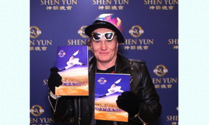 Shen Yun, 'We couldn't possibly miss this show'