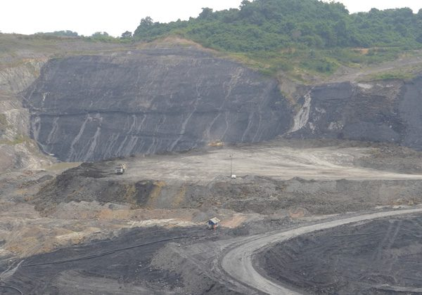 Open pit mining at PT Kitadin coal mine, majority owned by Thai firm Banpu, near Samarinda, East Kalimantan. Photo by David Fogarty, (August 2014).