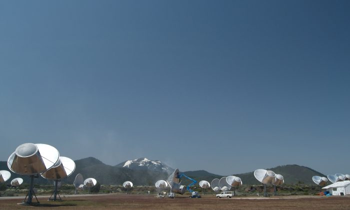 The Allen Telescope Array in California, a radio telescope array dedicated to astronomical observations and a simultaneous search for extraterrestrial intelligence. (Colby Gutierrez-Kraybill/Wikimedia Commons)