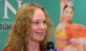 Musician Feels Deep Respect for Shen Yun Artists