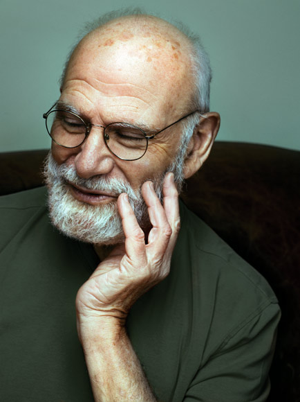 Oliver Sacks' essays – like those in the collection Musicophilia – have helped promote the benefits of music therapy. (Wikimedia Commons, CC BY-SA)