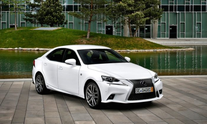 2015 Lexus IS (Courtesy of NetCarShow.com)