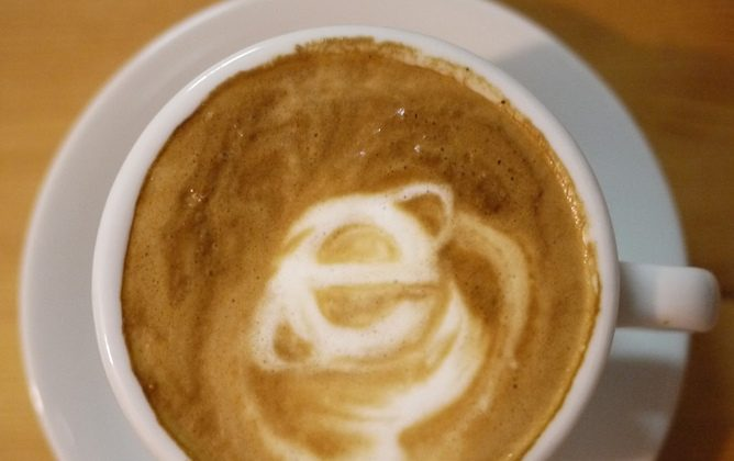 The end of IE? Wake up and smell the coffee. (yukop, CC BY-SA)