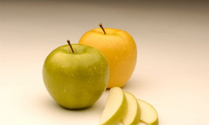 The Arctic Granny Smith and Arctic Golden, genetically modified apples developed by a B.C. biotech company, have been approved for growth and sale in Canada. (Okanagan Specialty Fruits)