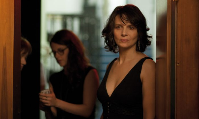 "Juliette Binoche (R) plays an aging star in ""Clouds of Sils Maria."" (Carole Bethuel / CG Cinema)"