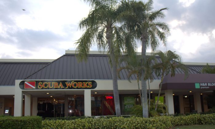 Scuba Works Dive Shop in Jupiter Florida where Jay and Sandy Cates offer instructional programs and dive trips with Randy Jordan. (Myriam Moran copyright  2015)