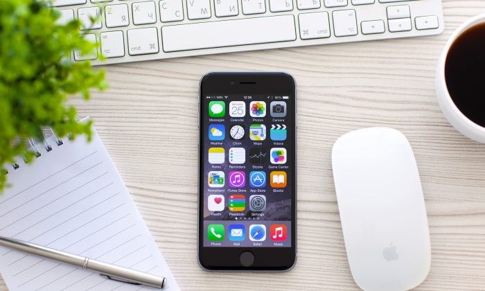 Apps with ads use an average of 16 percent more energy—but up to 33 percent more. That lowers the battery life of a smartphone from 2.5 to 2.1 hours on average—or down to 1.7 hours at the high end of energy usage. (Denys Prykhodov / Shutterstock*)