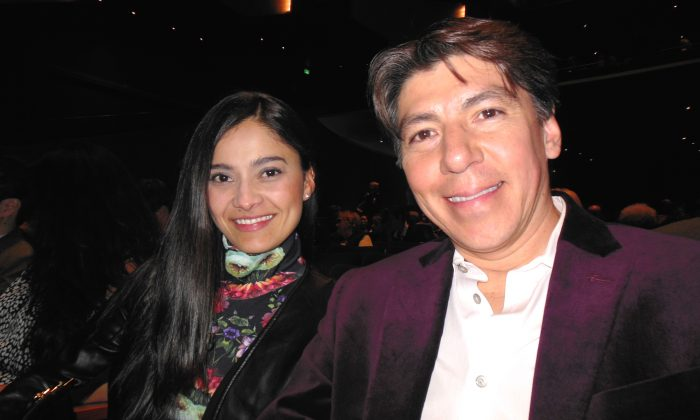 News Anchor Sees the Divine, Harmony, and Brightness in Shen Yun