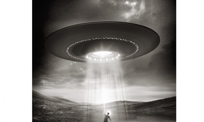 An artist rendition of an alien abduction. (solarseven/iStock/Thinkstock)