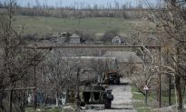Fighting Continues in Easter Ukraine Despite High Level Talks
