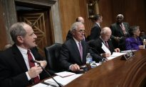 White House and Congress Agree on Iran Bill but Standoff Not Over