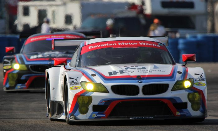 The two BMW team RLL Z4 GTEs in action at Sebring. The team Rahall-Letterman-Lannigan cars will start 1–2 at the Tudor Long Beach Sports Car Challenge. (Chris Jasurek/Epoch Times)