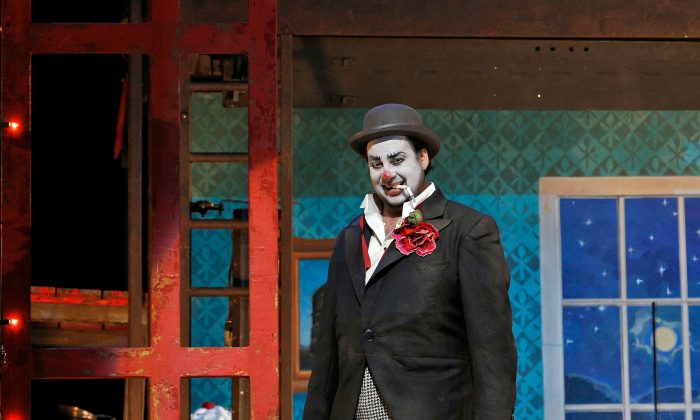 During his performance as a clown, Canio (Marcelo Álvarez), snaps after learning his wife plans to run away with another man. (Cory Weaver/Metropolitan Opera)
