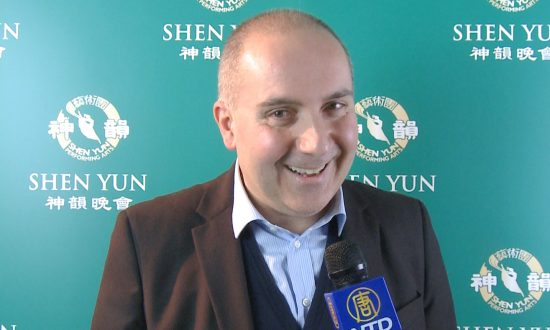 President Sees 'The Beauty of the Whole World' in Shen Yun
