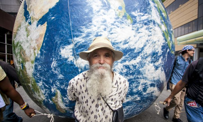 The People's Climate March in Manhattan, New York, Sept. 21, 2014. (Samira Bouaou/Epoch Times)
