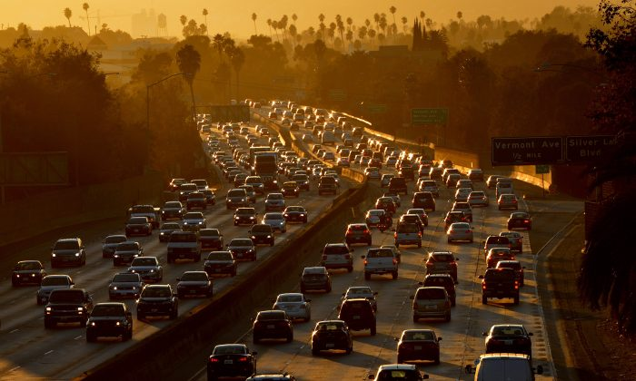 Heavy traffic clogs the 101 Freeway as people leave work for the Labor Day holiday in Los Angeles on August 29, 2014. (Mark Ralston/AFP/Getty Images)