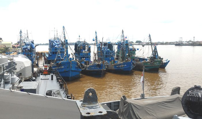 On May 1, five illegal foreign fishing vessels from Thailand were apprehended by the Indonesian Navy. Photo: Aseanty Pahlevi