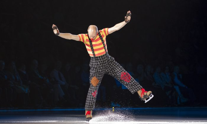 Kurt Browning in the opening of Stars on Ice, May 8, 2015 in Toronto (Quincy Clark/DQC Photo)